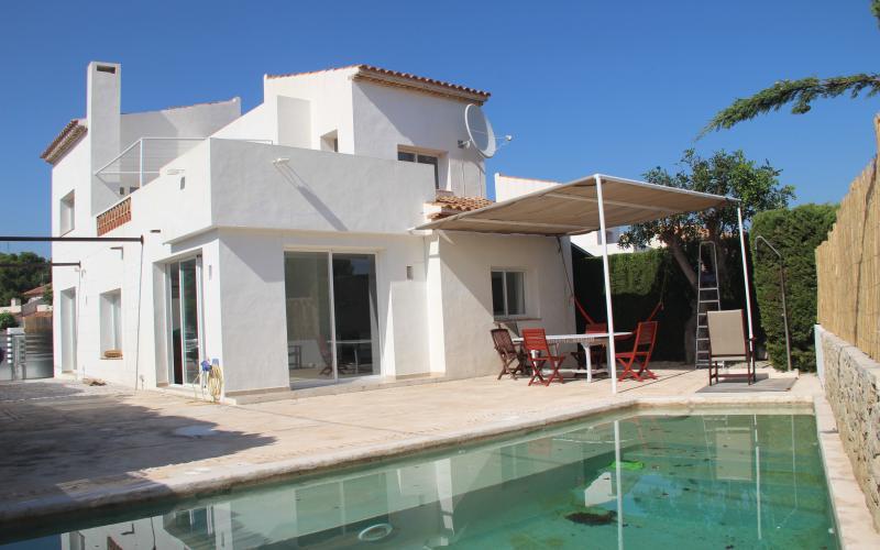 Villa for long term rental  in  Alfas del PI Costa Blanca