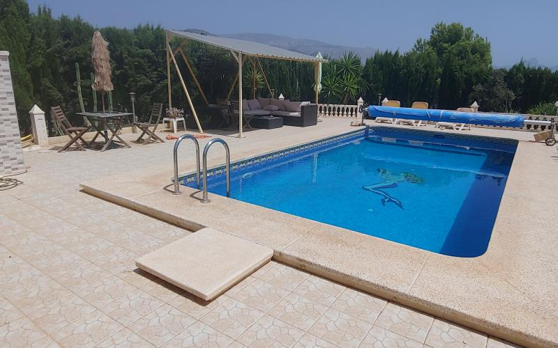 Villa with pool in Relleu